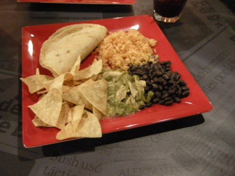Gluten Free Plato Machos at Mi Mero Mole